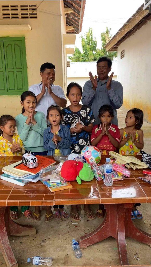 カンボジア 寄付