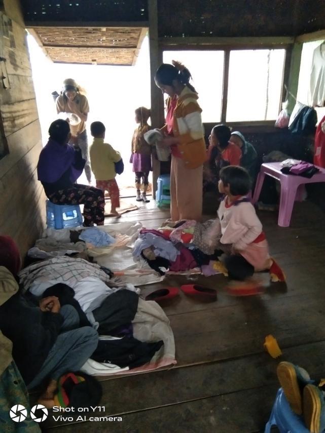 ミャンマー 古着 寄付