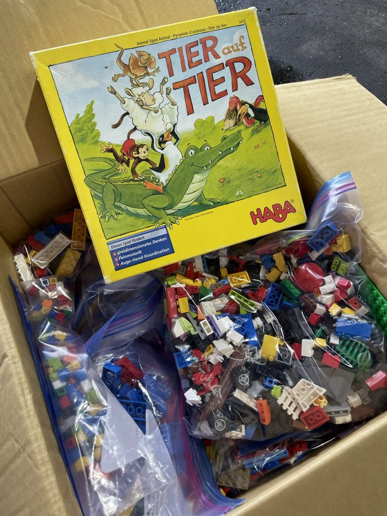 LEGO 寄付